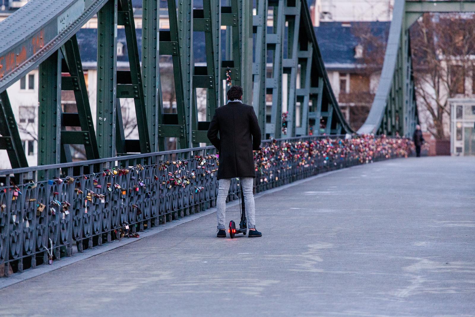 Image trottinette en ville - Article Règlementation