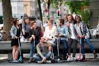 Aujourd'hui, on fête la journée de l'amitié. ❤️Qui est votre compagnon ou compagne de ride ? Taguez-le dans les commentaires ! 🛴#MicroMobility #Wearemobility #Microcompactes #Micro #Compacte #trottinette #Trottinettepliable #mobiliteurbaine #journeedelamitie #Friends #Amis #Friendship